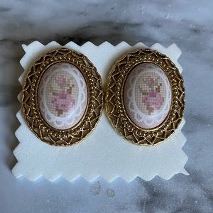 VINTAGE Flower cross stitch style Cameo earrings